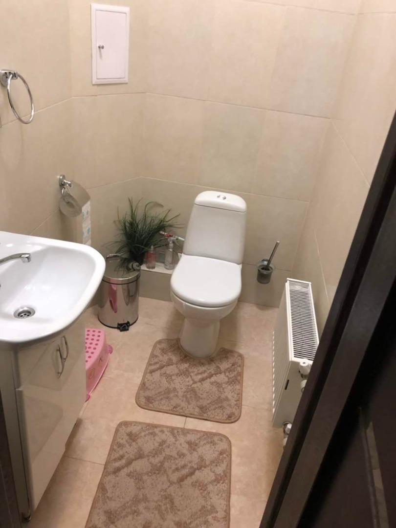 продажа трехкомнатной квартиры номер A-143110 в Приморском районе, фото номер 12